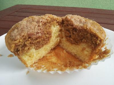 Kávové muffiny se skořicovou drobenkou