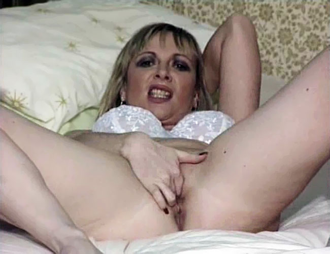 Nude Mom Fingering Pussy In Front Of Her Son Mother Dirty Incest