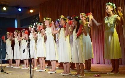 Εντυπωσιακή παράσταση από 5 εφηβικές χορωδίες μουσικών σχολών της Μόσχας στο ΓΕΛ Κρανιδίου...