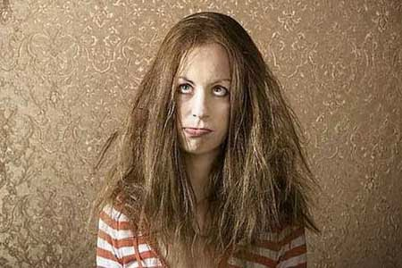 Bagaimana cara menata rambut keriting keribo kusut kering yang sulit diatur agar dapat tampil cantik