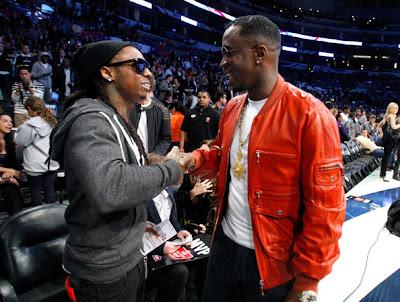 Imagen de Lil Wayne y Diddy en el partido de las estrellas de la NBA 2011
