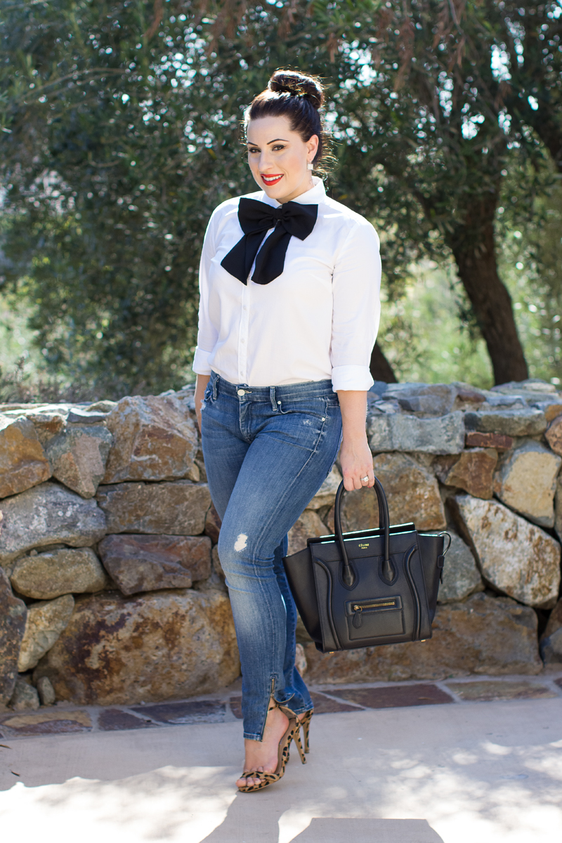 womens-oversized-bow-tie-outfit