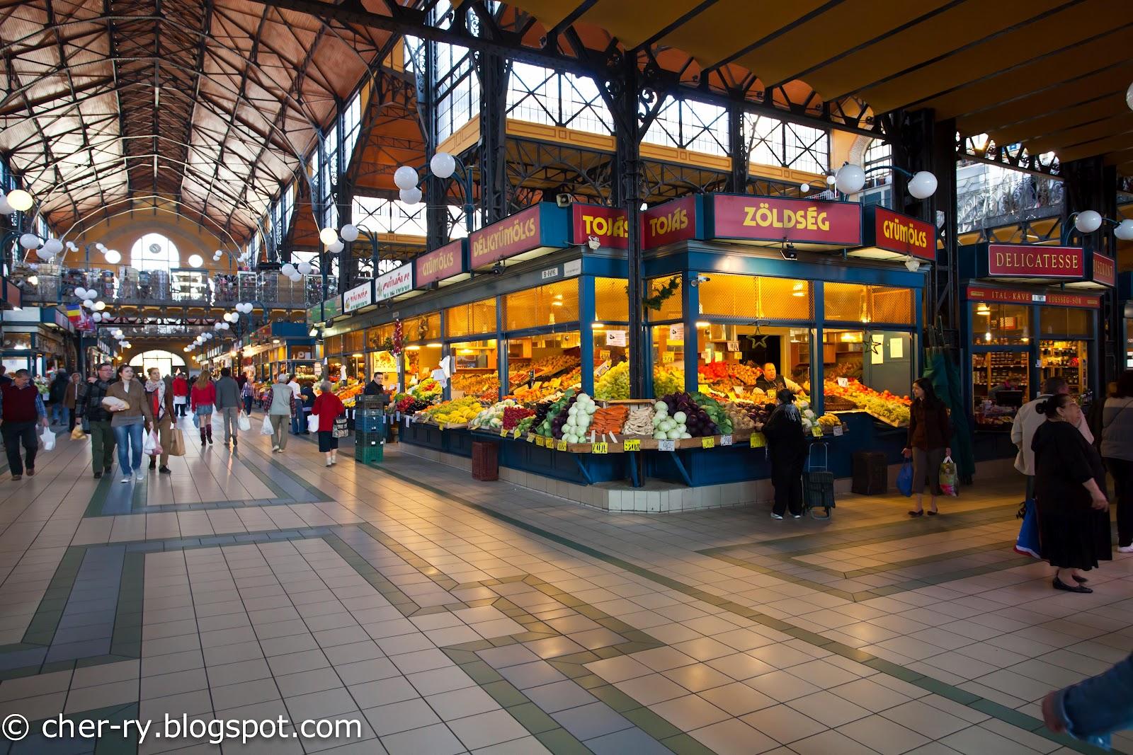 http://2.bp.blogspot.com/-FBHs5Uij3qE/T4GYGszfYGI/AAAAAAAAj-I/pIoiNm5CE98/s1600/Budapest+Great+Market+Hall-21.jpg