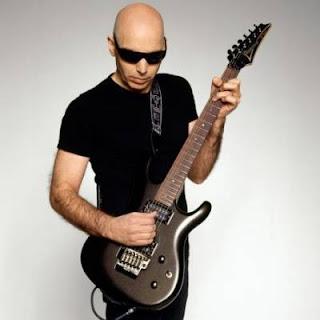 Joe Satriani - Master Guitar World