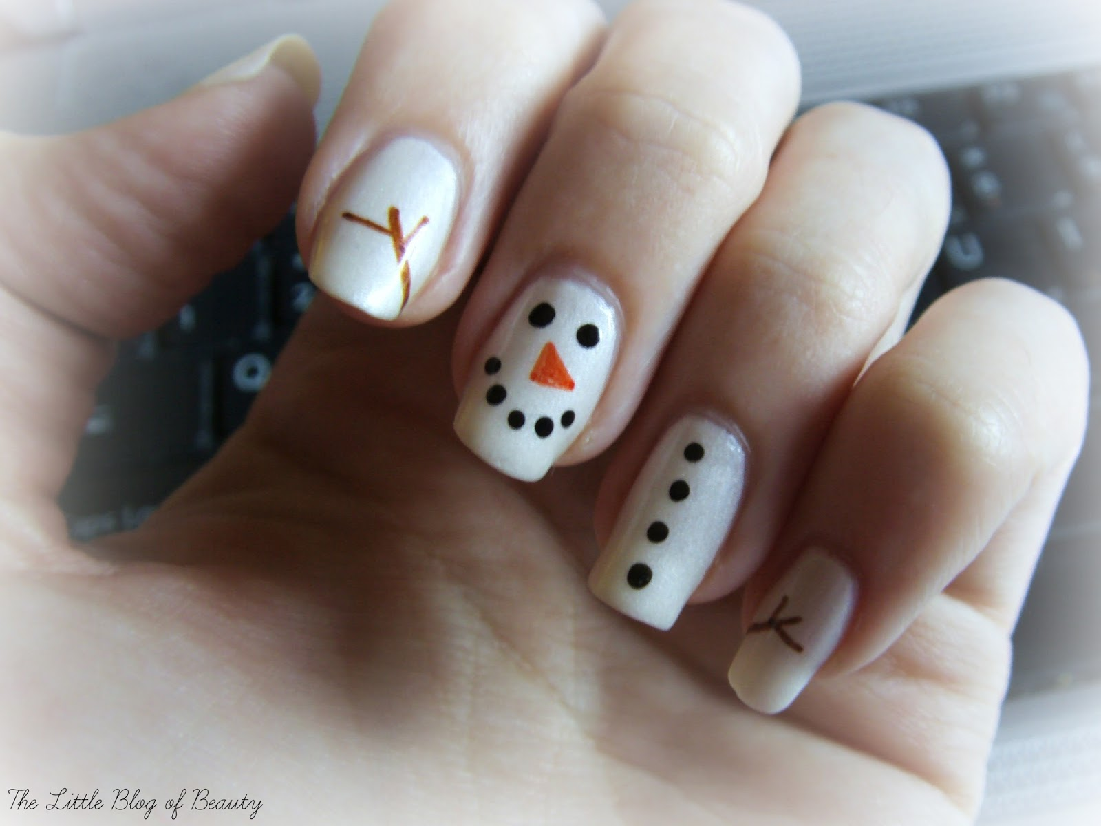 Christmas nail art - Frosty the snowman