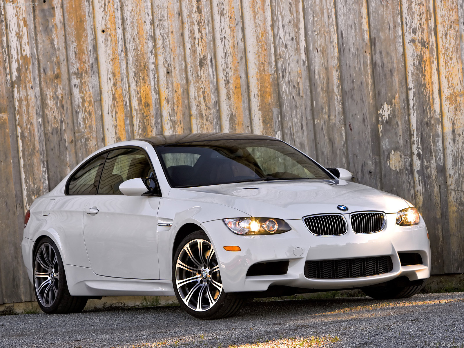 car wallpapers 2011 bmw m3 coupe wallpaper. Black Bedroom Furniture Sets. Home Design Ideas
