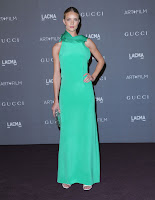 Rosie Huntington-Whiteley hot in Gucci dress