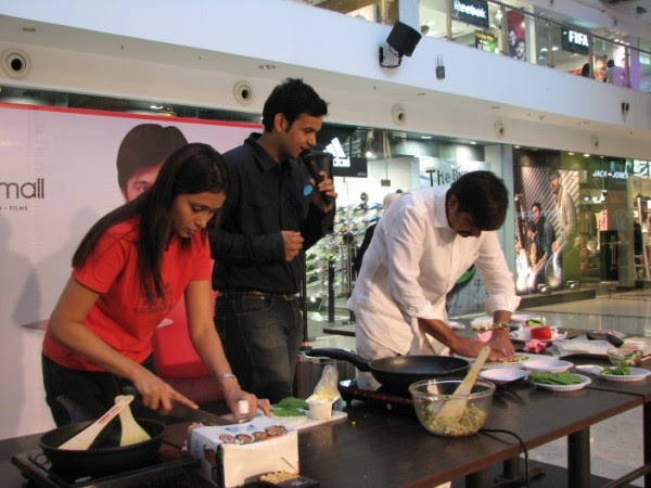 Rakesh sethis cookery show at oberoi mall pearl rise entertainment forumfinder Images