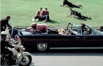 teoria conspiratória, John Fitz-gerald Kennedy, Bala Mágica: John Kennedy