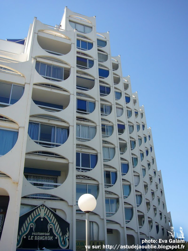 La Grande-Motte - Le Fidji  Architecte: André Malrait  Construction: 1974