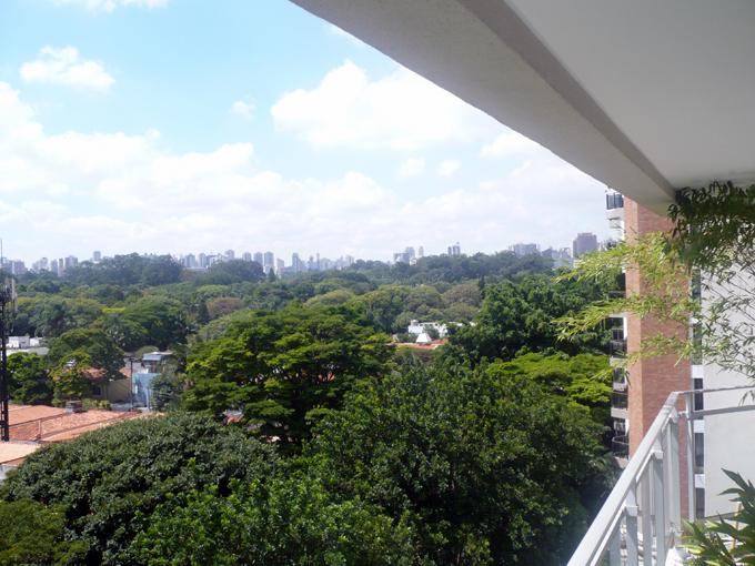 Varanda de apartamento na Vila Nova Conceição - São Paulo
