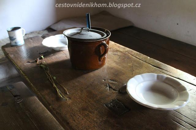 starodávné nádobí // ancient dishes