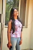 Pooja jhaveri new glam pics-thumbnail-4