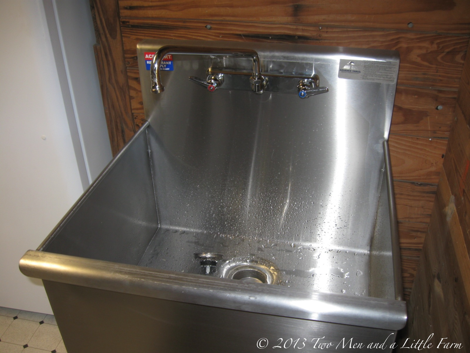 Slop Sink Drain : UTILITY SINK IN THE MUDROOM