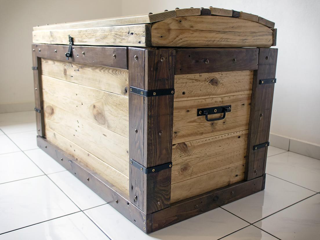 coffre bois. Black Bedroom Furniture Sets. Home Design Ideas