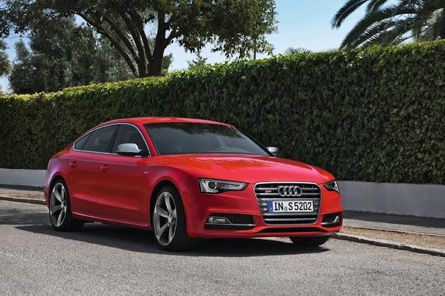 2012 Audi S5 SportBack Red Wallpaper