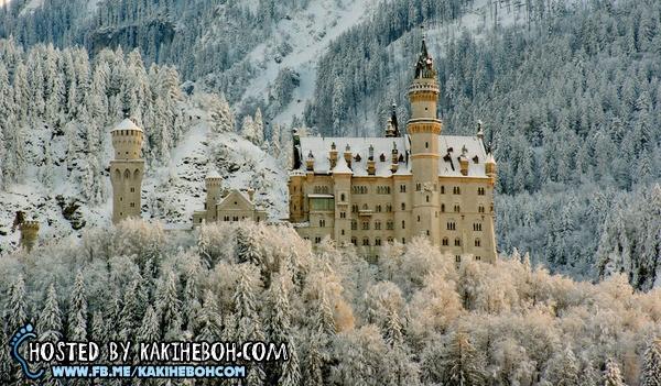 Blues Utara Istana Istana Dunia
