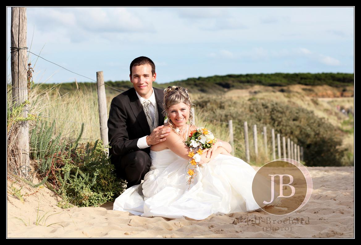 Jill brochard photo les mari s la plage photographe mariage vend e photographe mariage les - Mariage a la plage ...