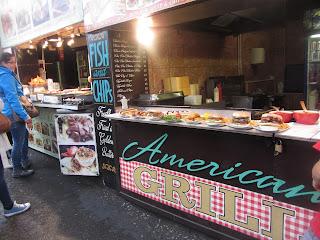 En el mercado de Camden Town también encontrarás puestos de comida rápida.