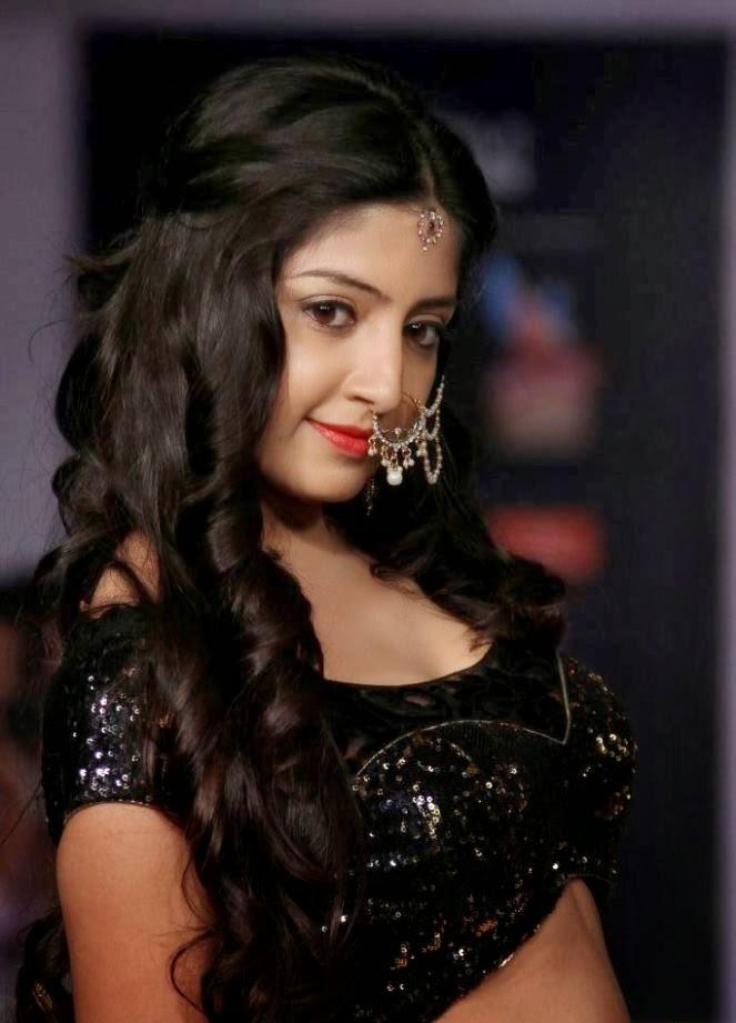 Poonam Kaur Hot Pictures Hyderabad International Fashion Week
