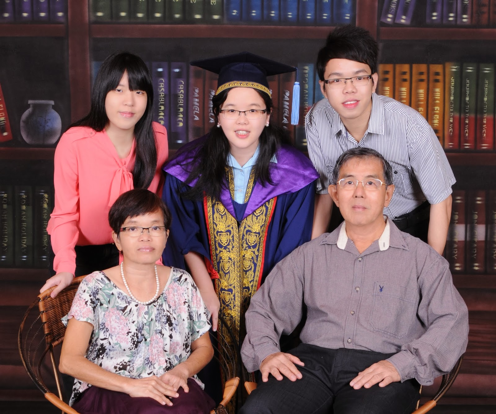 graduation photo at studio