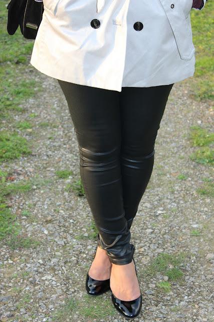 Fedora noir Headict, Trench 1 2 3, simili cuir Zara, sac Sandro