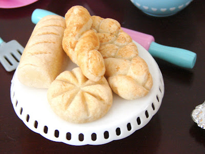 Make Bread for Your Dolls