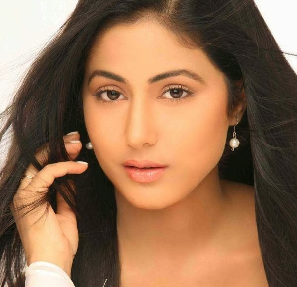 Hina Khan Wallpapers Free - Hina-Khan-Masters-Business-Administration-believes