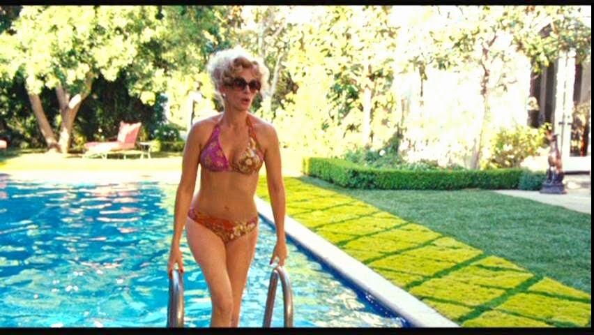 Charlie Wilson's War Starring Julia Roberts In A Sexy Bikini