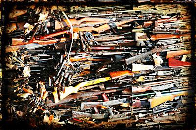 Pile of hundreds of guns