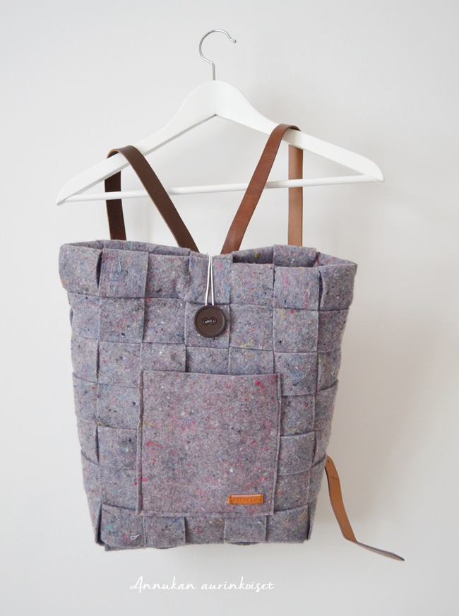 Reppu Vai Laukku Lukioon : Annukan aurinkoiset reppu vai laukku ottaisinko