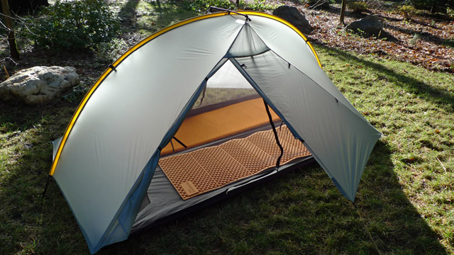 Highly respected among serious backpackers owner Henry Shire makes his intelligently designed lightweight high quality TarpTents in Nevada City ... & Rocky Mountain Bushcraft: MADE IN THE USA GEAR: TarpTent Ultra-lite ...