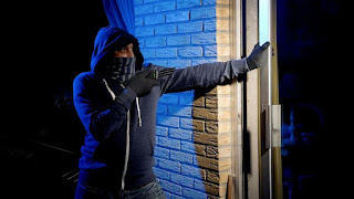 Facua denuncia que los nuevos contadores de la luz favorecen los robos en las viviendas