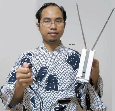 http://2.bp.blogspot.com/-FEzRcLe7R8g/TVoPLmK0UQI/AAAAAAAAAZw/IWWjkfSd16M/s1600/Khoirul+Anwar+Para+Penemu+Indonesia.jpg