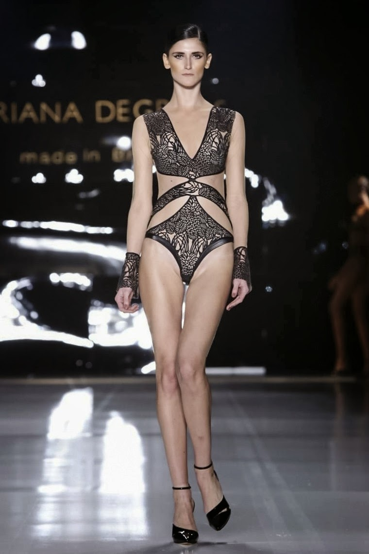 Adriana-Degreas, Adriana-Degreas-Spring-Summer, Adriana-Degreas-spring-Summer-2015, Adriana-Degreas-Sao-Paulo, Adriana-Degreas-Sao-Paulo-Fashion-Week, Adriana-Degreas-SPFW, SPFW, Adriana-Degreas-beachwear, sao-paulo-fashion-week, beachwear, fashion-beachwear, spring-summer, spring-summer-2015, printemps-ete, printemps-ete-2015, collection-printemps-ete, maillot-de-bain, maillots-de-bain, maillots-de-bain-sexy, maillot-de-bain-femme, implicite, aubade, du-dessin-aux-podiums, dudessinauxpodiums, lingeries, lingery, slips, maillot-de-bain-push-up, trikini, sexy-clothes, short-de-bain, short-de-bain-femme, maillot-de-bain-retro, maillot-de-bain-amincissant, maillot-de-bain-ventre-plat, maillot-de-bain-pin-up, maillots-de-bain-1-pièce, maillot-de-bain-90d