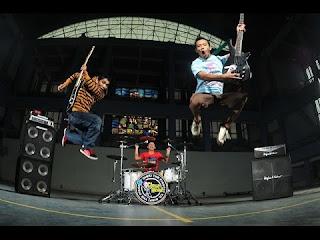 CloseHead - Bandung Disco Punk Head Melodic
