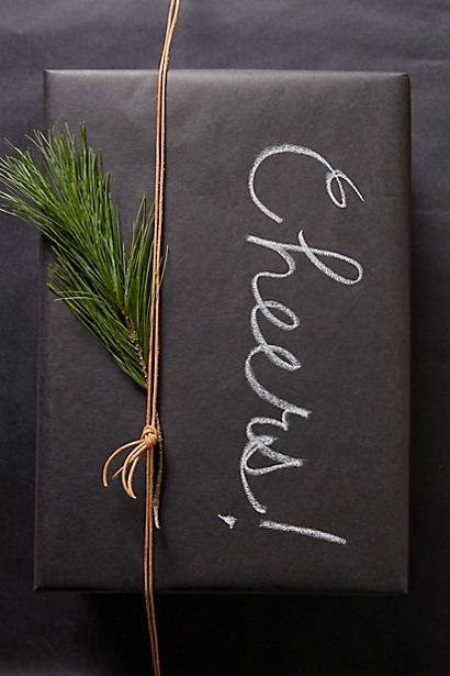 simple holiday gift wrapping, DIY holiday wrapping