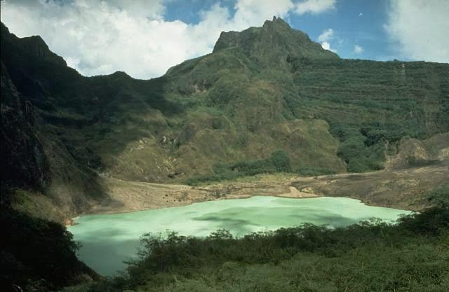 Danau yang indah di lereng Gunung Kelud tahun 1980