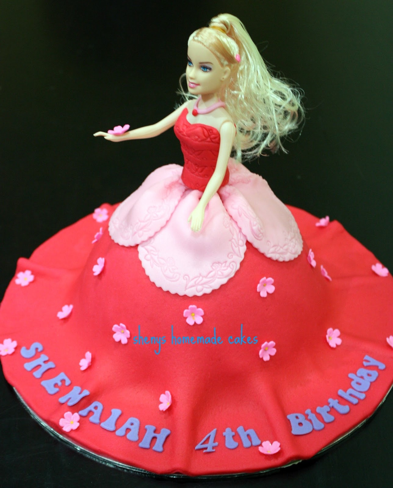 Birthday Cake Images Doll : Sheny s Homemade Treats: Barbie Doll Cake