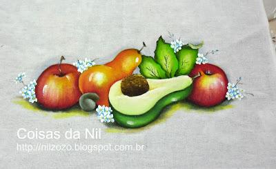 maças,caju e abacate pintados em tecido