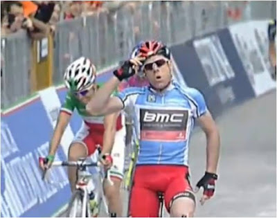With a little jaunty, Australian salute, Cadel claims victory.