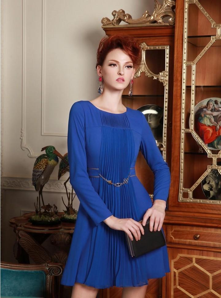 Vestido azul manga larga corto