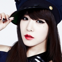 Video Tiffany (SNSD) Nyanyi Rolling In The Deep