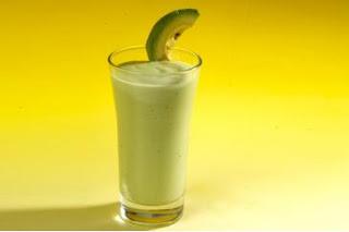 عصير افوكا بالتمر والزبيب سهل و لذيذ