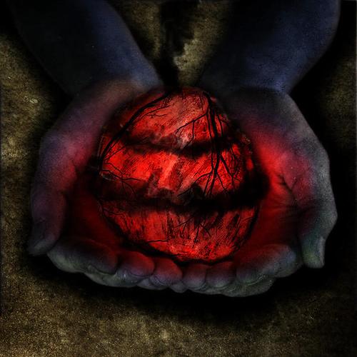 http://2.bp.blogspot.com/-FGSNp4A_gjM/TlGWN9YluEI/AAAAAAAACKY/f0oomZL-z-Y/s640/darken+heart.jpg