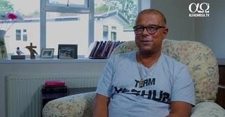 Alfa Omega TV: Un fost transgender regretă operația și îndeamnă la precauție