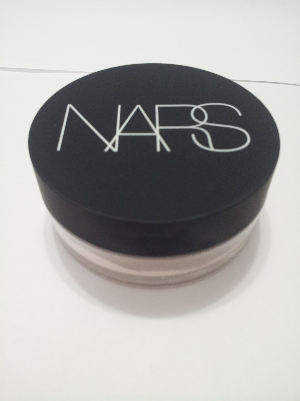cnteablog review nars light reflecting loose setting powder. Black Bedroom Furniture Sets. Home Design Ideas