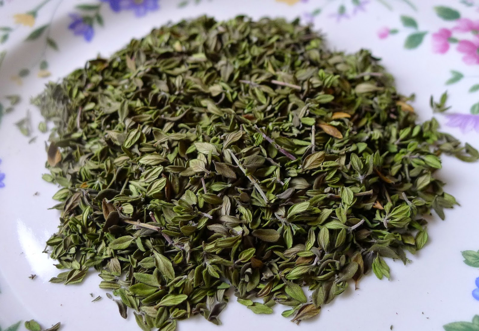 Dehydrated Thyme, preserving herbs