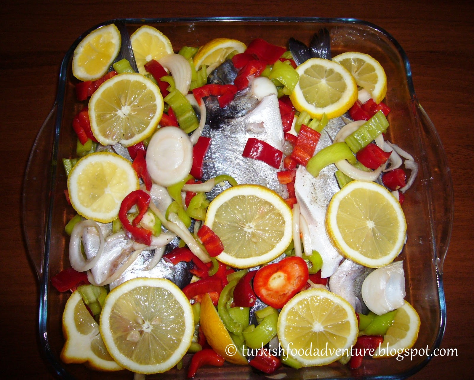 how to cook fish in the oven with vegetables