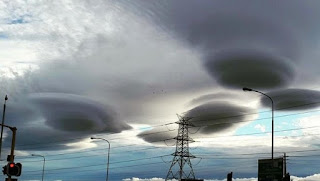 Strange UFO Clouds Gathered Over the Skies of Cape Town